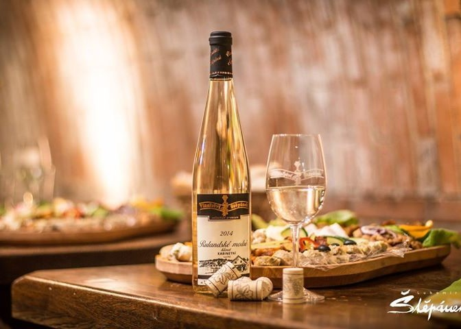 Degustace vína - zábava na svatbu
