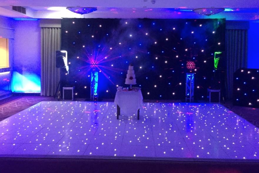 Dokonalý taneční parket na vaší svatbě